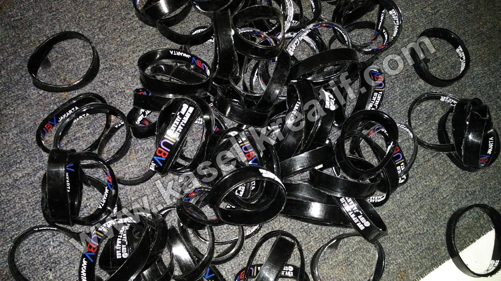 Gelang Karet Rubber Promosi Tulisan Timbul UBV Jakarta 100pcs BELUM FINISHING