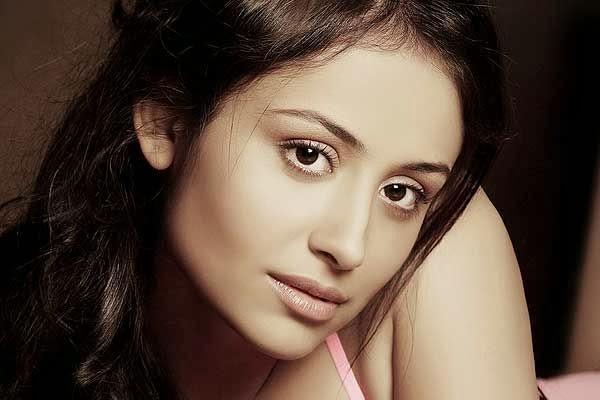 Anupriya Kapoor HD Wallpapers Free Download