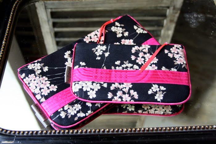 pochette geisha noir bande surpiquée fushia