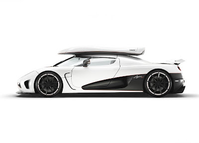 Koenigsegg-Agera_R_Side_View_White_color