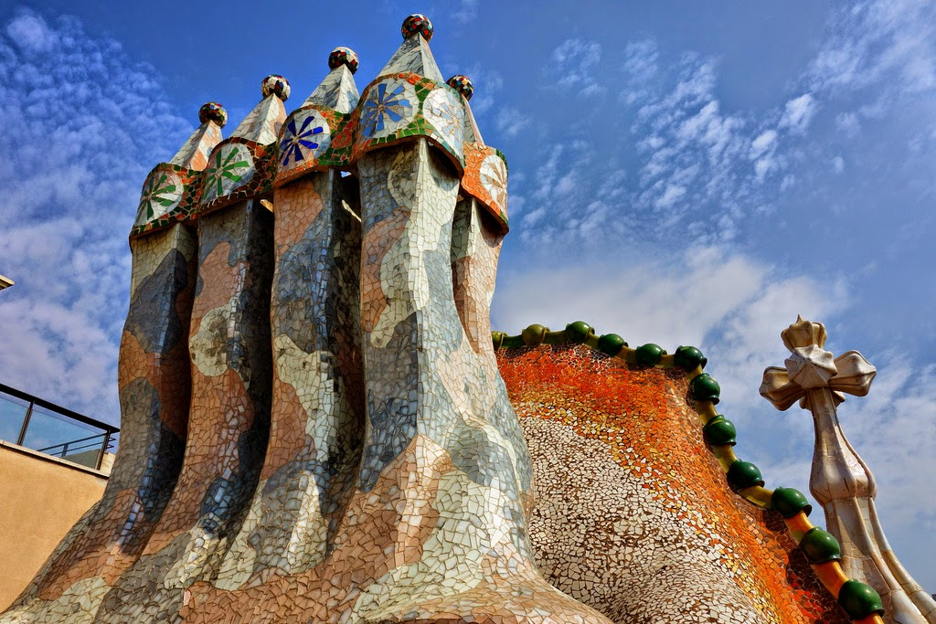 Unity In Nature Antoni Gaudí | Sy...