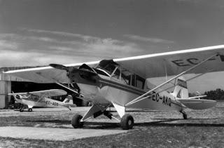 piper J-3 cub, EC-AKQ de l'escola de l'Aero Club B-S.