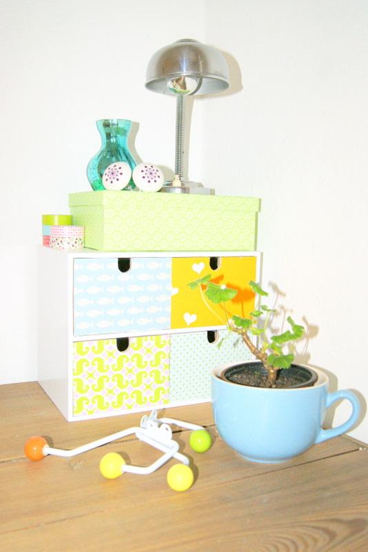 dejligheder 2 kopper og en kasse mano tassen und eine kiste. Black Bedroom Furniture Sets. Home Design Ideas