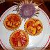 Crostatine con marmellata e pesche