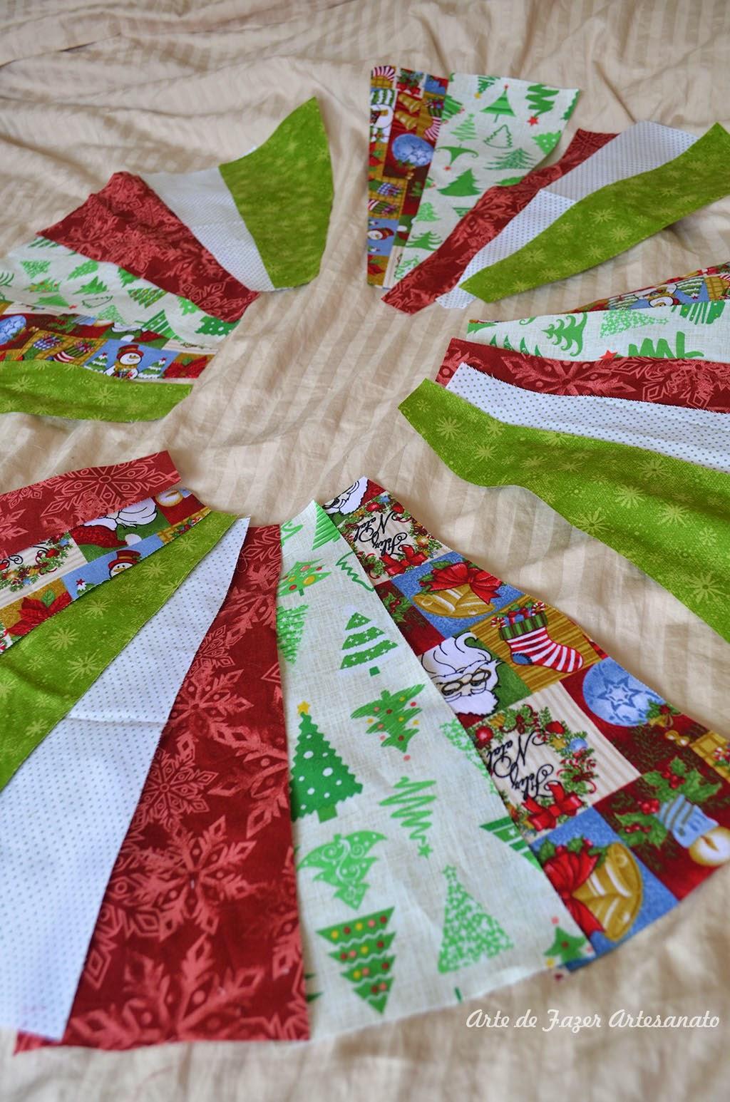 Saia para árvore de natal em patchwork olha ela montadinha