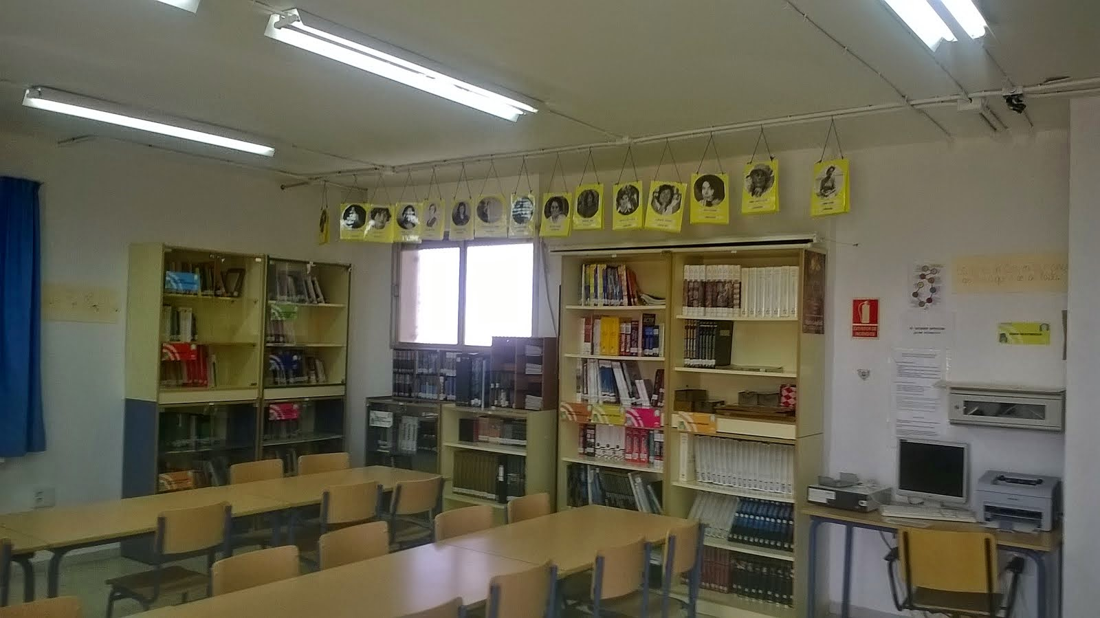 Biblioteca IES Mar Azul. Mujeres ilustres.