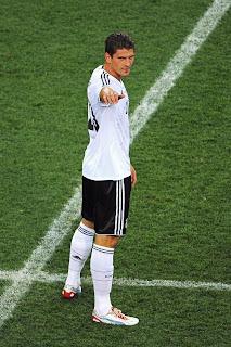 Gomez solo
