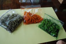 dyed pasta, preschooler, toddler, kids, child, craft