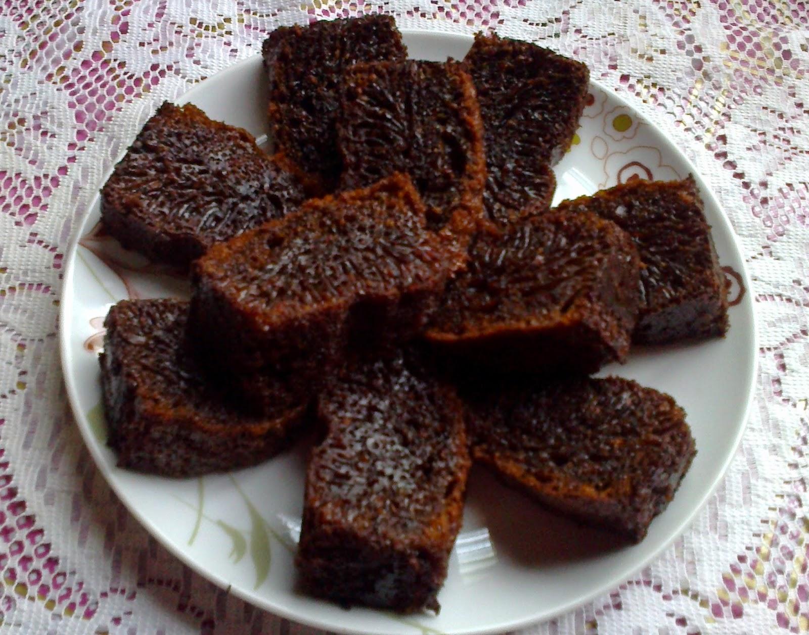 Kek Gula Hangus Bersarang Semut