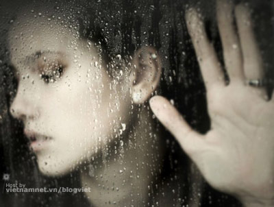 Girl Photo on Very Sad Pashto Poetry In Picture With A Girl In Rain