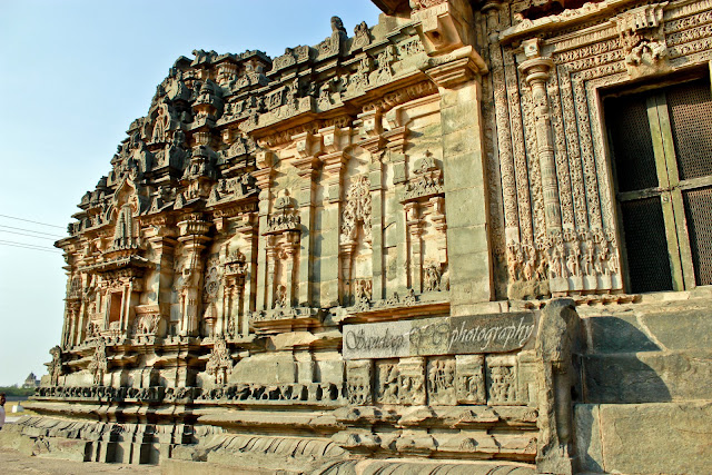 Kashivishwanatha temple - south face