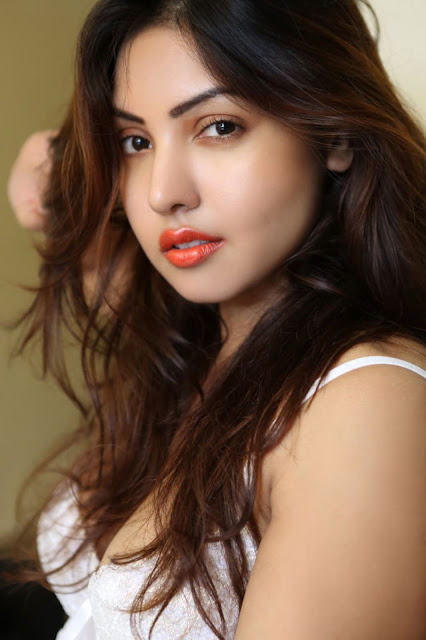 Charming Face of Komal Jha