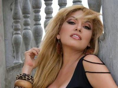 Sharon La Hechicera desnuda