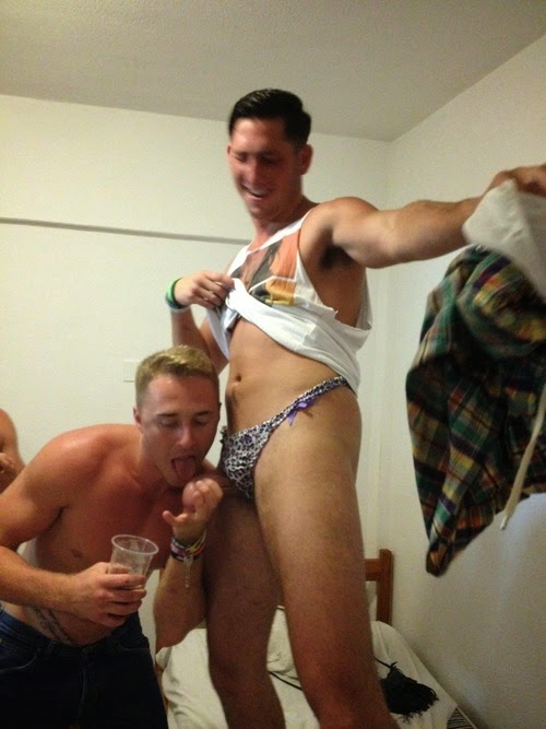 drunk lads nude pics