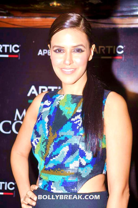 Neha Dhupia front pose showing side of waist - (3) - Neha Dhupia at Maxim