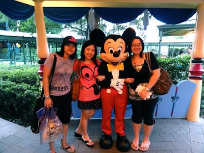 Hong Kong Disneyland Mickey Mouse Meet and Greet