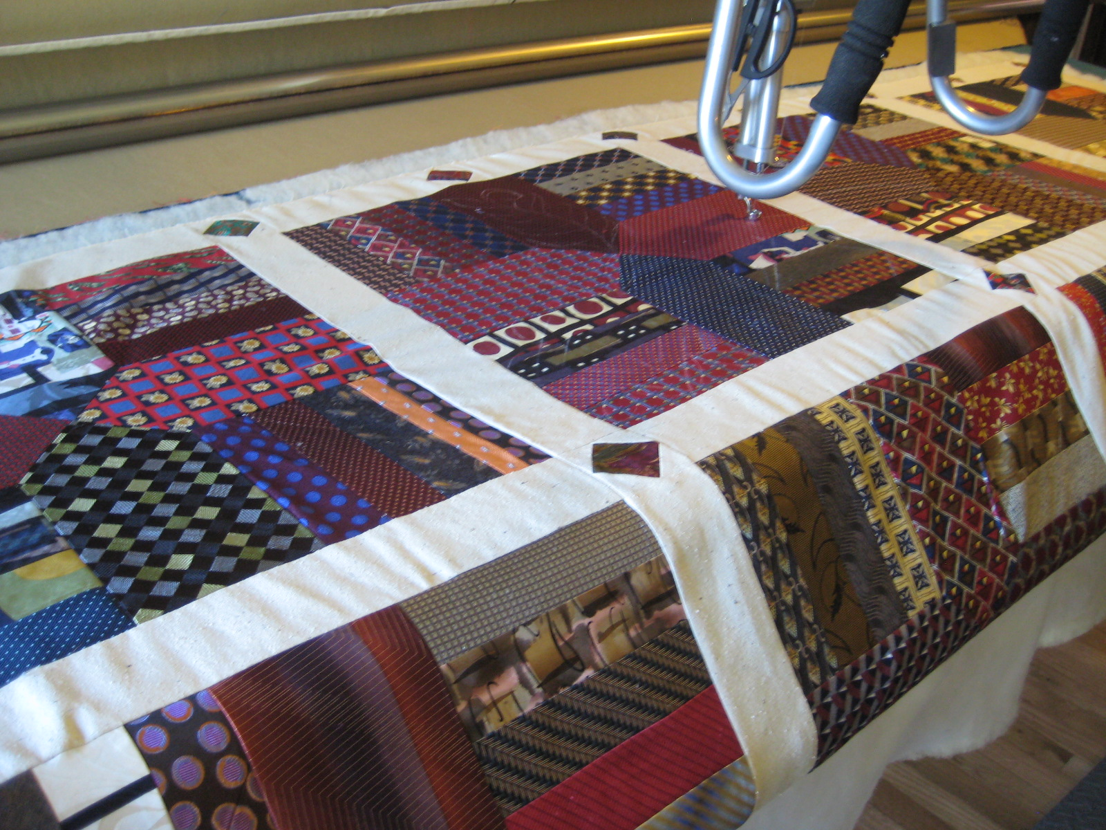 Threads on the floor: Quilting the Tie Quilt : how to tie quilt - Adamdwight.com