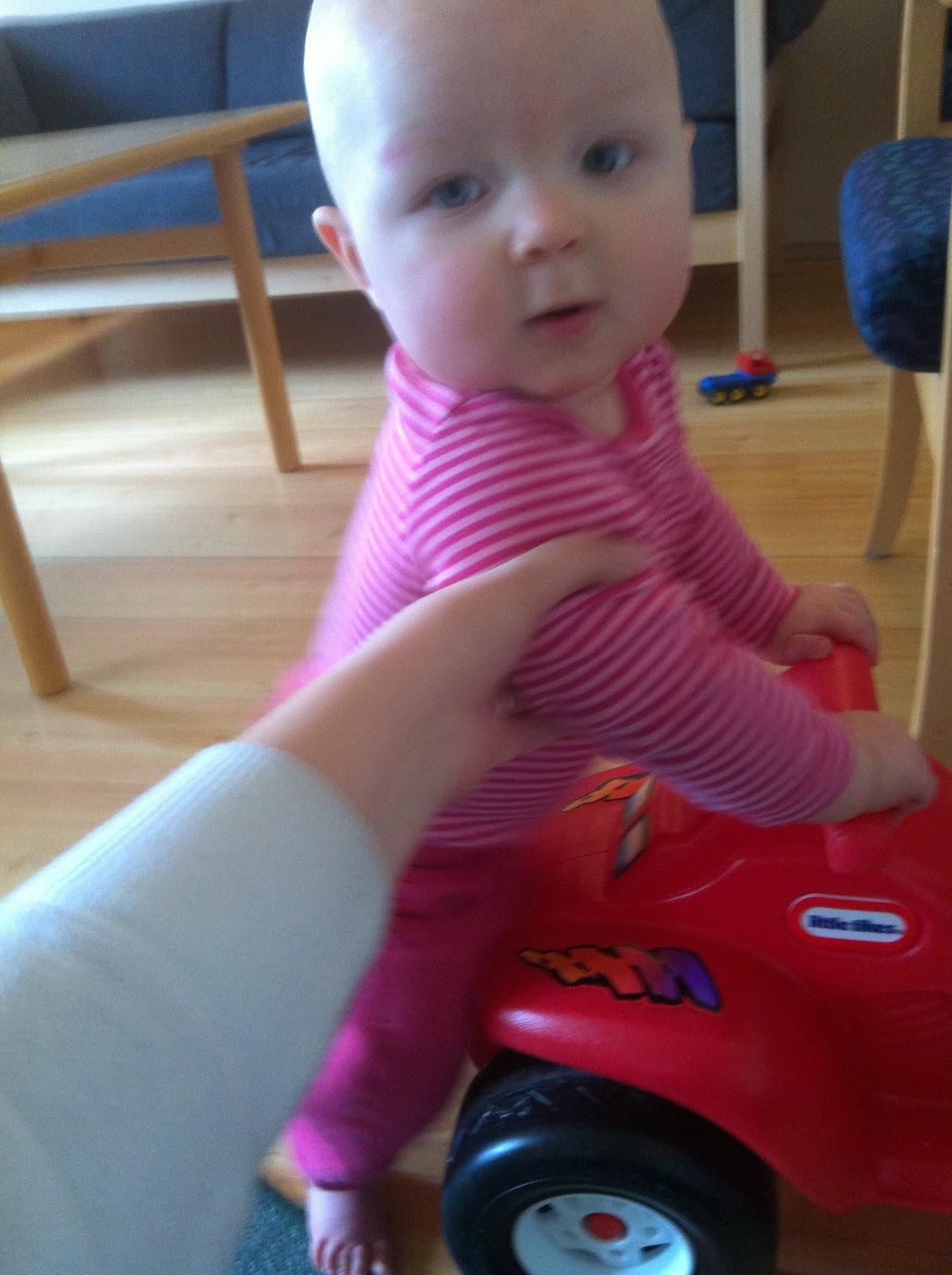 Sjuksköterska, fru och   mamma till julia : april 2012
