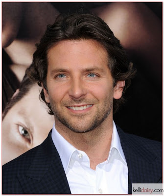 BRADLEY COOPER MEDIUM HAIRCUT HAIRSTYLE
