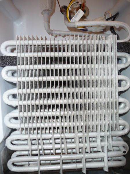 how to clean evaporator pipes fridge
