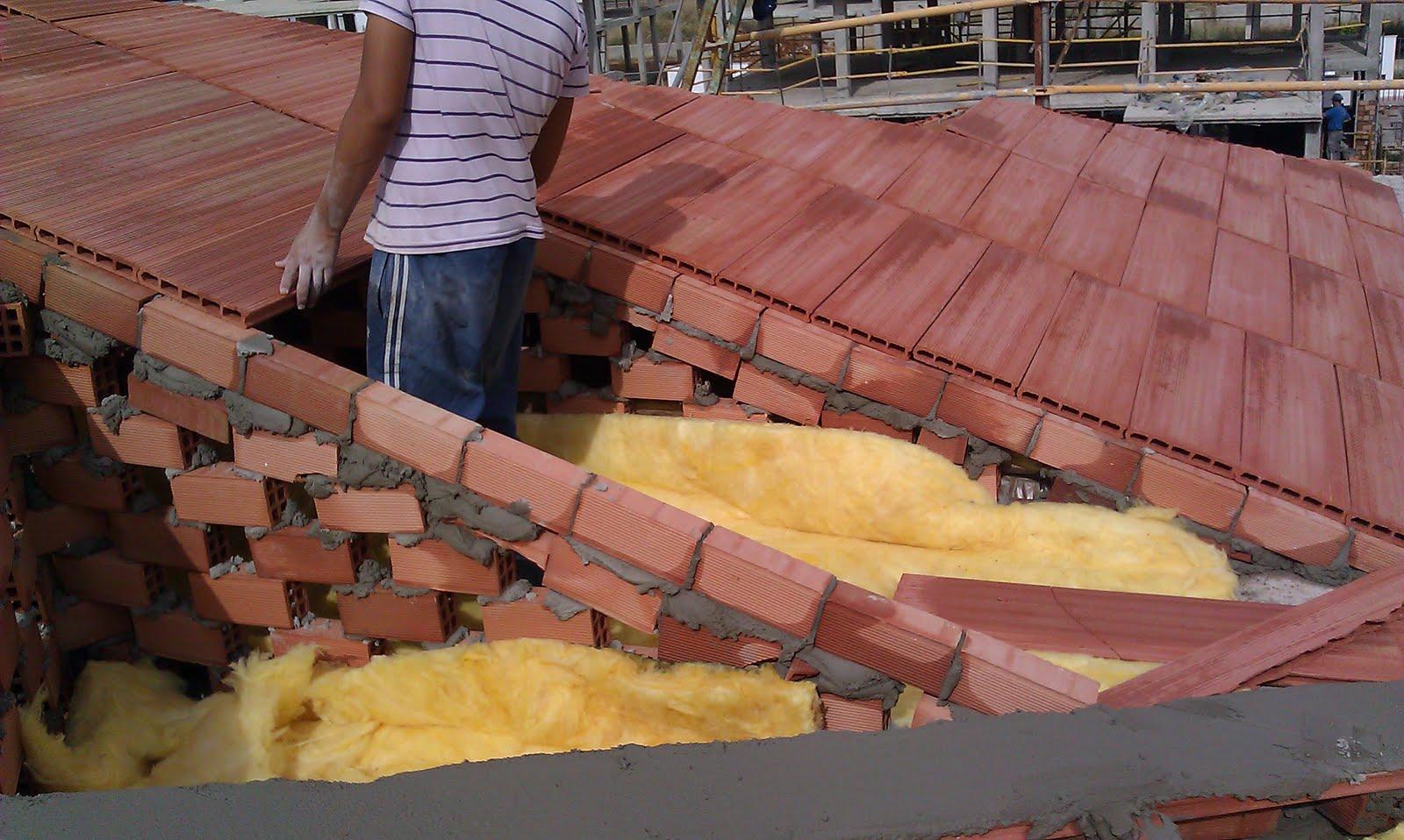 Instalaci n de tejados sobre tablero de obra apoyado en for Tejados prefabricados