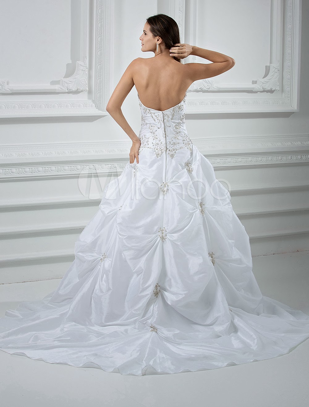 China Wholesale Dresses - Elegant White Ball Gown Strapless Taffeta Pongee Beading Embroidery Wedding Dress