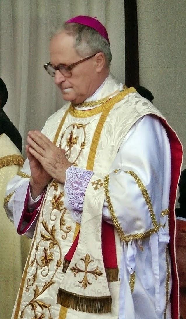 Nossa capela reza e apoia S.E.R Monsenhor Faure