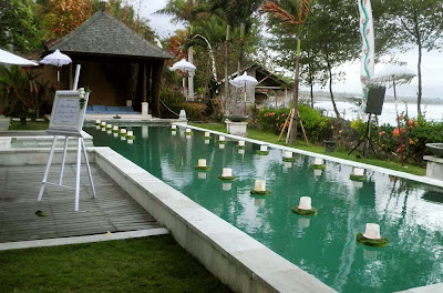 floating candles on the pool