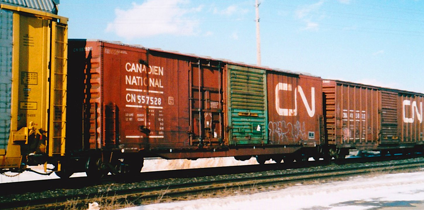 ... colourful and identifiable CN car series was CN 557000-557739 built 1/73-7/74 52u00278  in length equipped with 9-foot Youngstown plug and sliding doors ... & Trackside Treasure: CN green-door combination boxcars