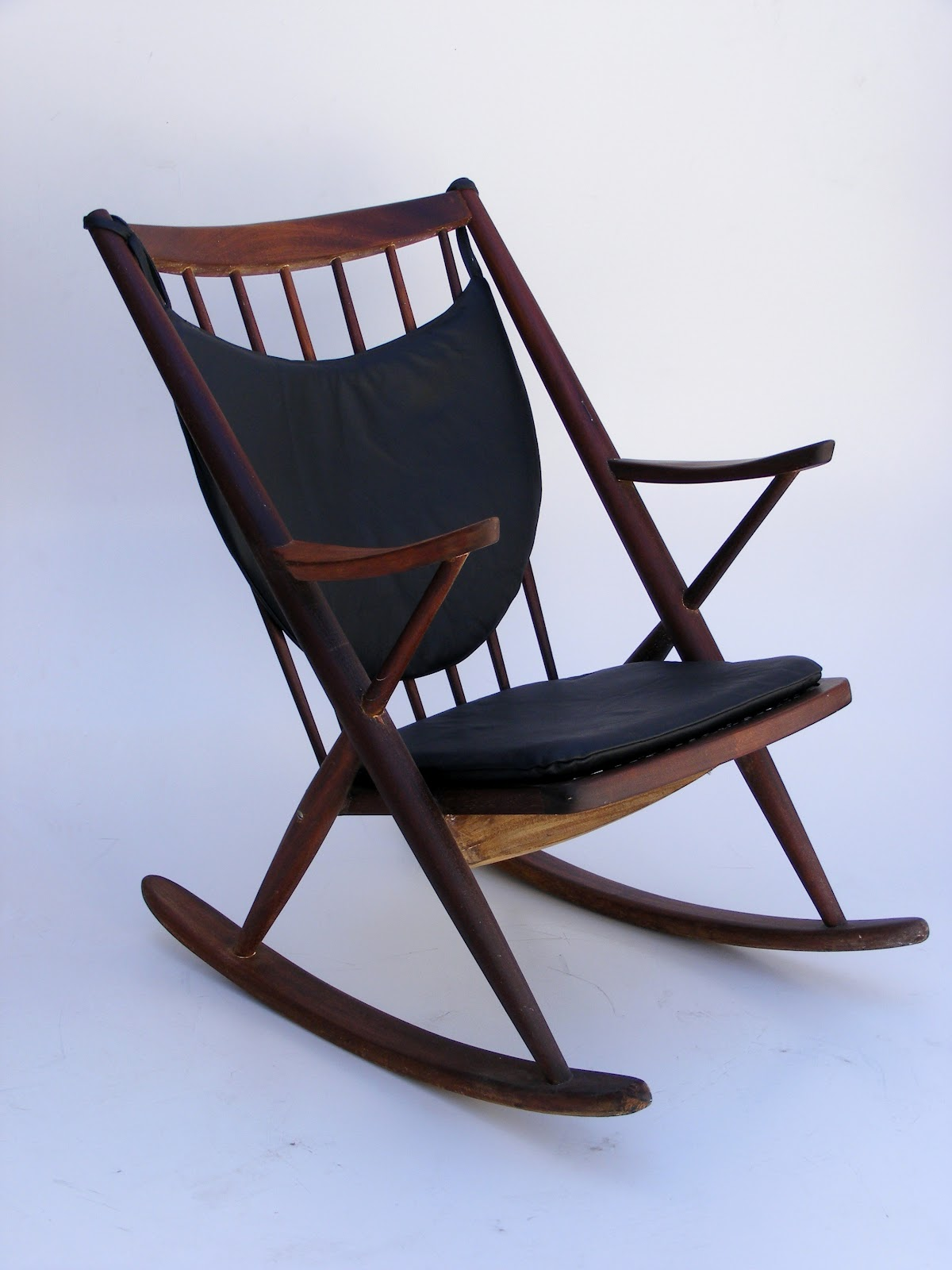 Frank Reenskaug Model 182 rocking chair with leather cushions
