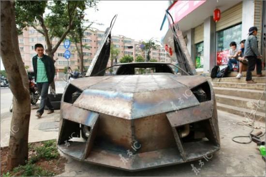 http://3.bp.blogspot.com/-W4SexwZiSQU/TdI1TfoEjZI/AAAAAAAAIag/n_TfPs3Y3qI/s1600/Lamborghini-Reventon2-550x366.jpg