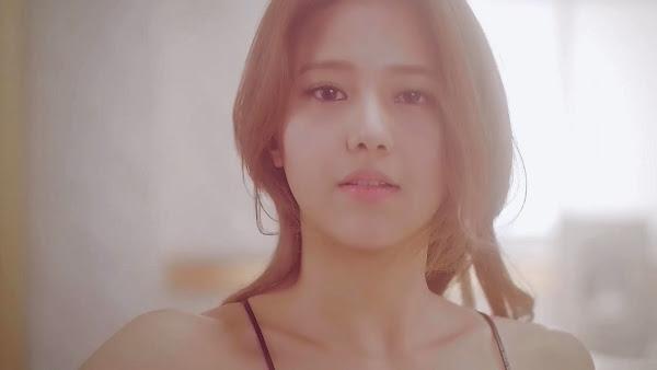 AOA Miniskirt Hyejeong