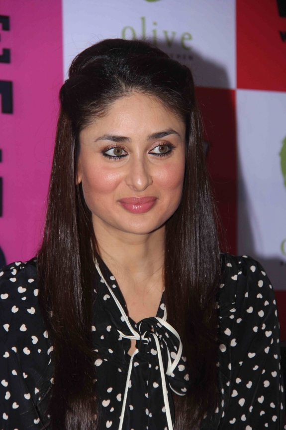 KareenaKarishma Kapoor Sister Bollywood Actress Hot Photos hot photos