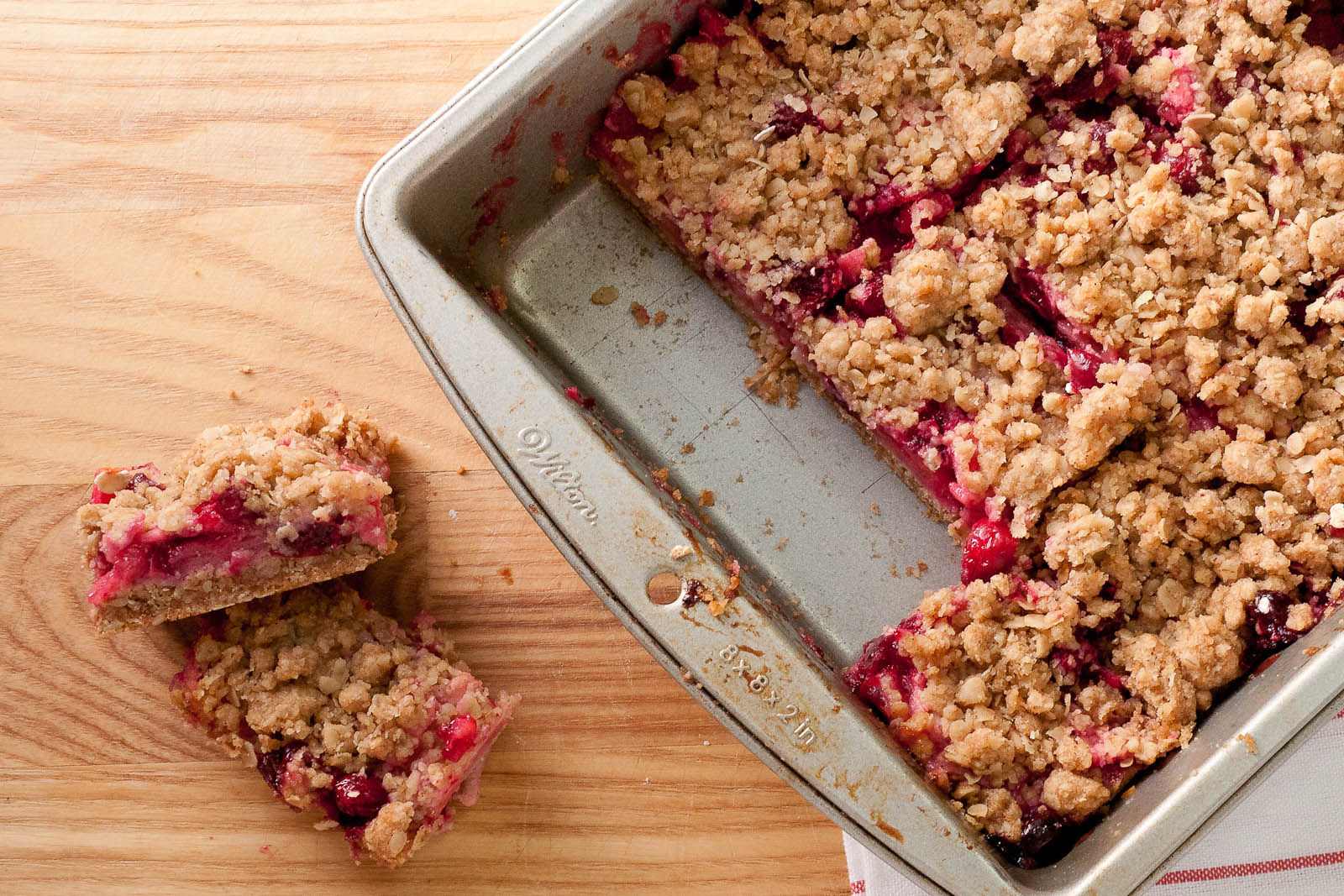 Sweet Twist of Blogging: Cranberry Apple Crumble Squares