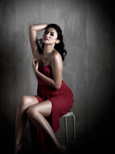 foto seksi Agni Pratista Majalah Dewasa