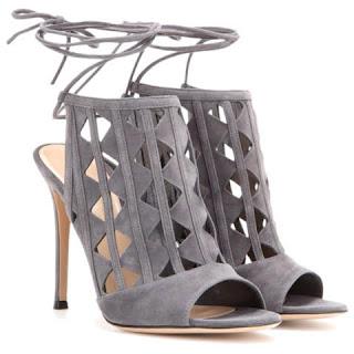sandalia gladiadora cinza