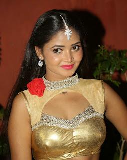 Shreya Vyas 18.jpg