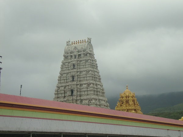 temples near pune