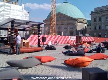 StadtLesen 2013 em Bebelplatz, Berlin