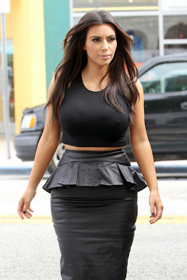 Kim Kardashian - Voluptuous Figure Sexy Hot Pretty Black
