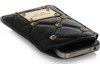 READY STOCK : MICHAEL KORS QUILTED STUD LEATHER PHONE CASE