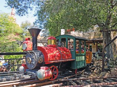 Big Thunder Mountain Railroad Disneyland closing refurbishment