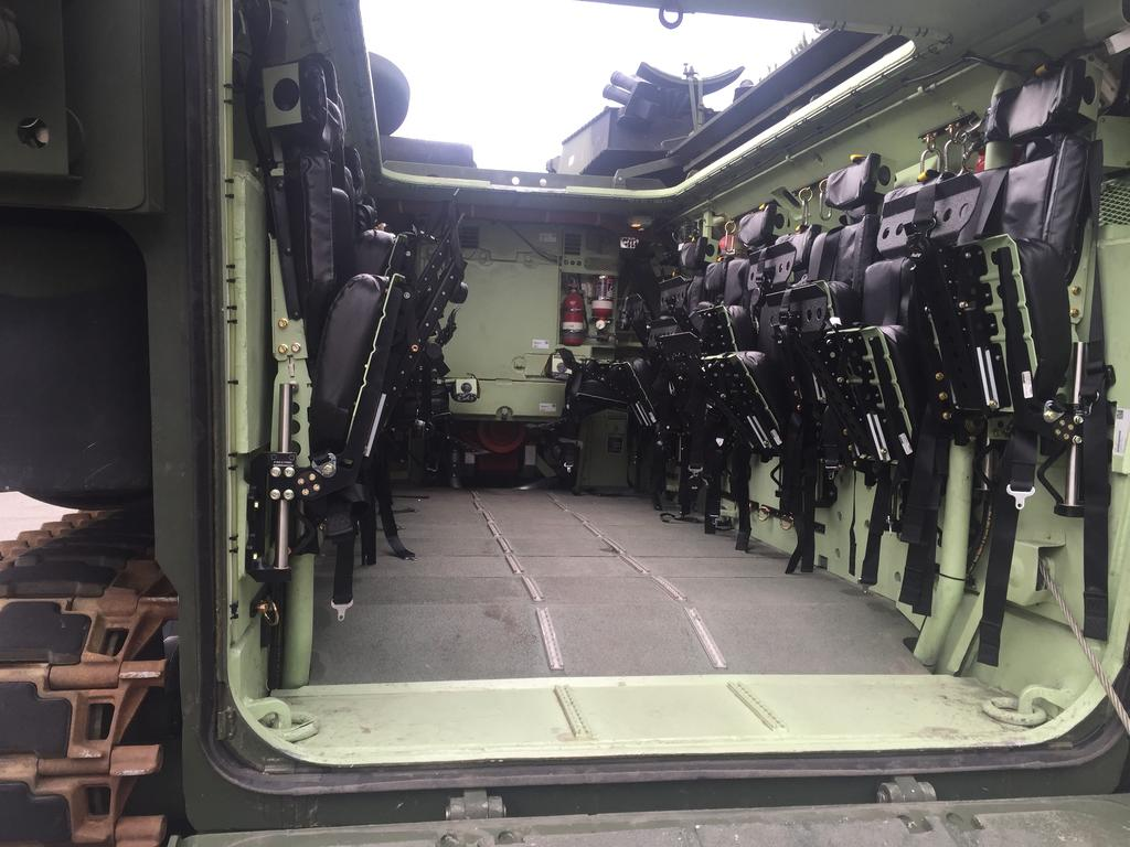 http://3.bp.blogspot.com/-W5EcFVbjUAM/Vq_i8-aNbqI/AAAAAAABPME/JeUH3xO6vOc/s1600/aav-interior-1.jpg