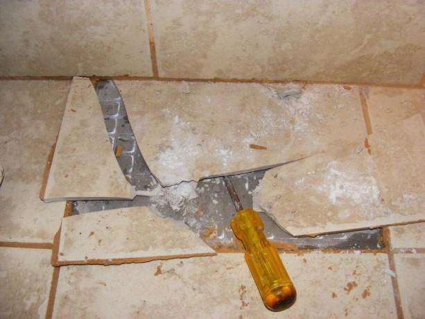 Casa servizi giugno 2011 - Piastrella scheggiata cosa fare ...