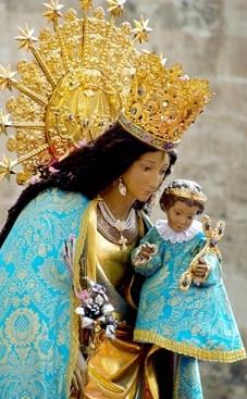 Nuestra Señora de los Desamparados de medio perfil