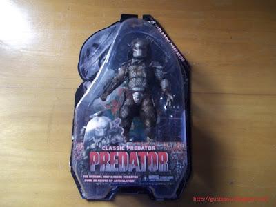 Visão frontal da caixa do predador versão clássica.