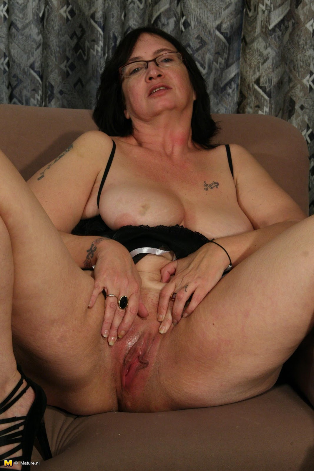 50 yr old uk milf riding her new toy - 1 10
