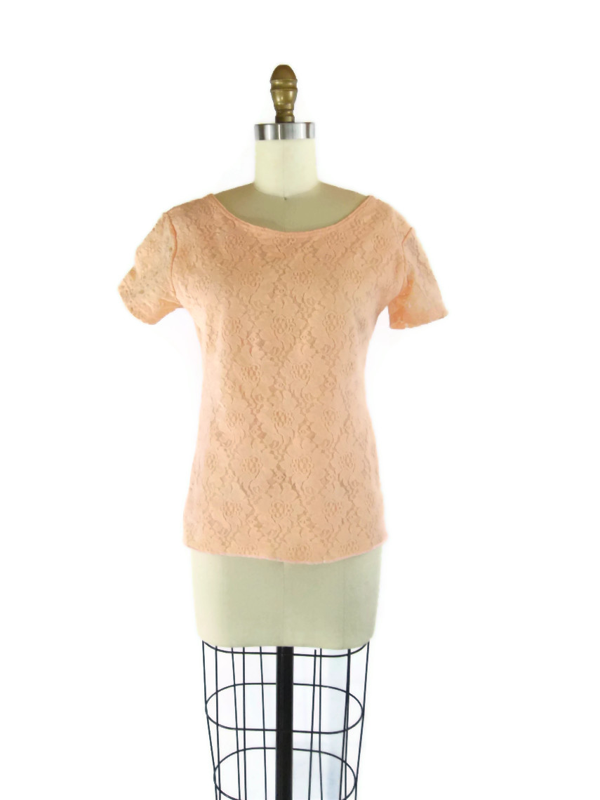 Foxburrow Vintage 1980s Stretchy Peach Lace Top
