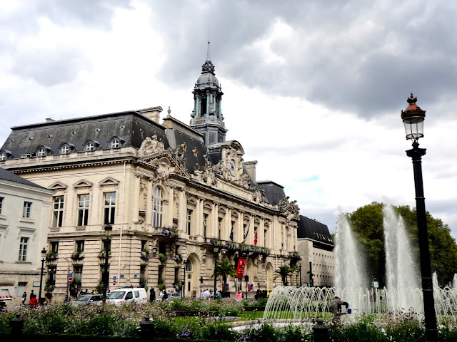Town hall and fountain of Place Jean Jaurès in Tours, France