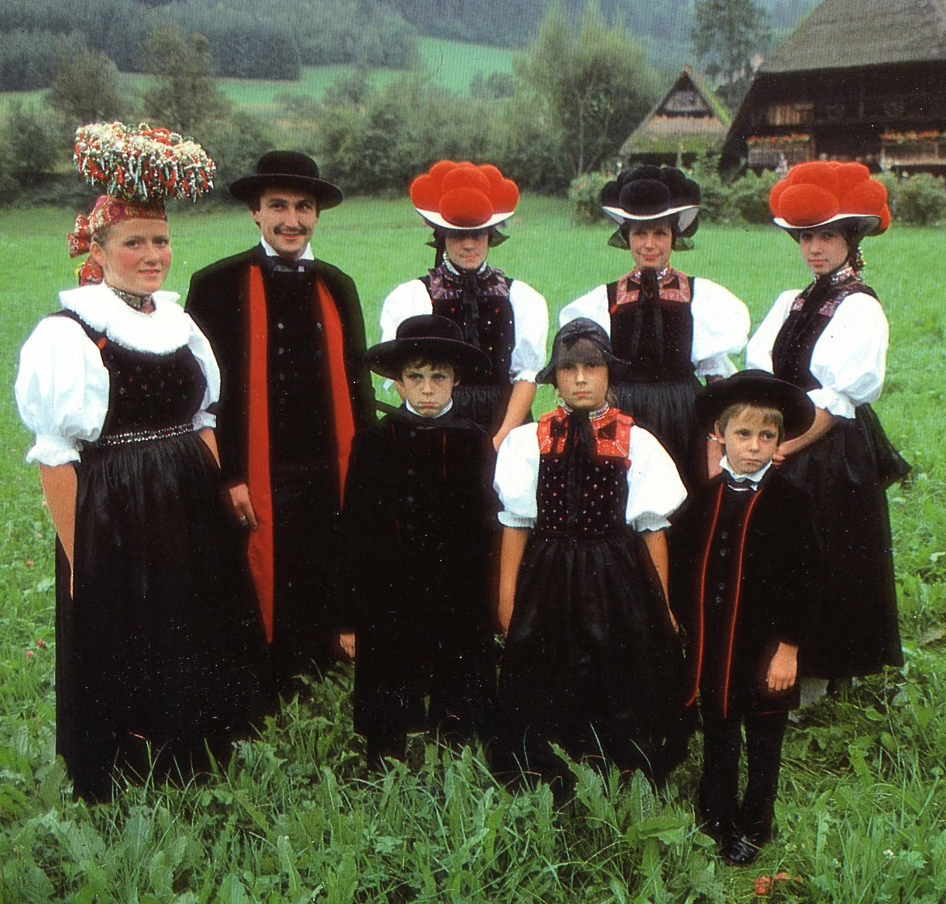 Traditional: FolkCostume&Embroidery: Short Overview Of Traditional